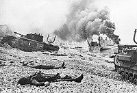 Bodies of Canadian soldiers - Dieppe Raid.jpg