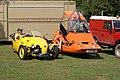 Bond Bug and Avion (19721257171).jpg