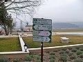 Bonnieux - panneaux Véloroute.jpg