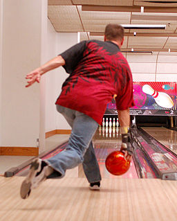 Bowling ball release