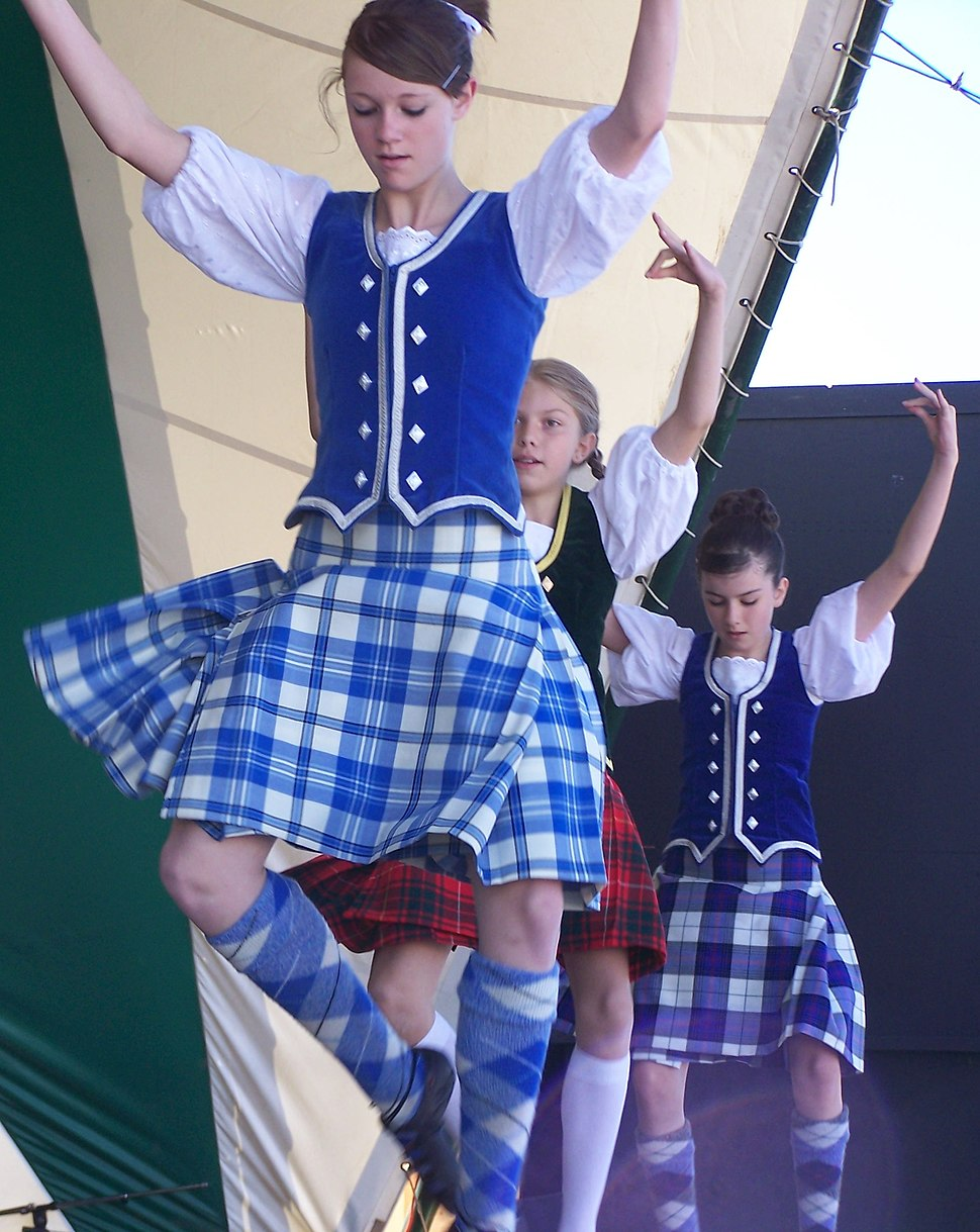 Brazier Dancers 01