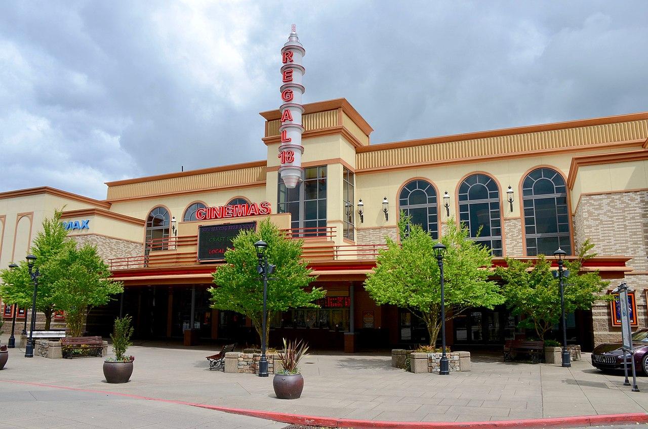 File:Bridgeport Village Regal Cinemas