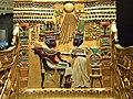 Bucuresti, Romania. Biblioteca Nationala. Expozitie Comorile Egiptului Antic. Tronul lui Tutankhamon (detaliu).jpg