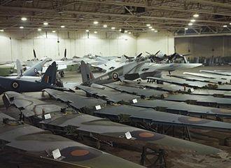 De Havilland - Building Mosquito aircraft at the de Havilland factory in Hatfield, 1943