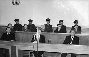 Richard Baier - Image: Bundesarchiv Bild 183 31316 003, Berlin, Prozeß gegen Agenten vor dem Obersten Gericht