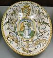 C.sf., urbino, bottega dei patanazzi, piatto ovale con stemma contarini, post 1597, 03.JPG