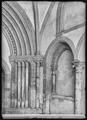 CH-NB - Romainmôtier, Abbatiale, Porche, vue partielle intérieure - Collection Max van Berchem - EAD-7491.tif