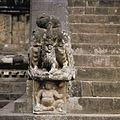 COLLECTIE TROPENMUSEUM Beeld onderaan de trap van de Candi Mendut TMnr 20026888.jpg