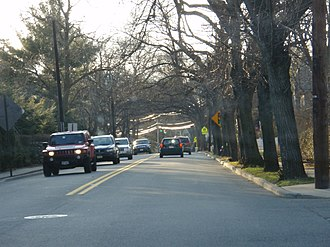 County Route 507 (New Jersey) - County Route 502 in Ho-Ho-Kus as Hollywood Avenue, approaching the intersection with County Route 507