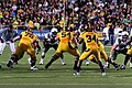 Cal vs Oregon football 2010 - Handoff to Vereen.jpg