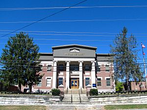 Jacksboro, Tennessee - Campbell County Courthouse in Jacksboro