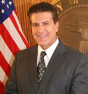 Carlos Hernández (politician) - Image: Carlos Hernandez (mayor)