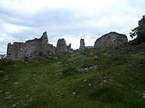 Castell de Gósol - entrant.jpg