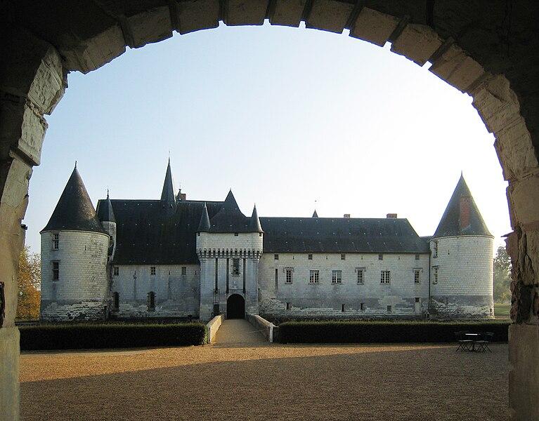 Datei:Castle Plessis Bourre 2007 01.jpg