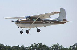 Cessna 182 Skylane - 1958 Cessna 182A landing