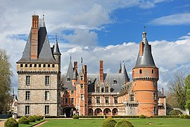 Château de Maintenon in the town center