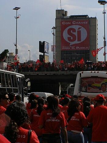 Chavistas en favor de la reforma de Hugo Chavez en caracas
