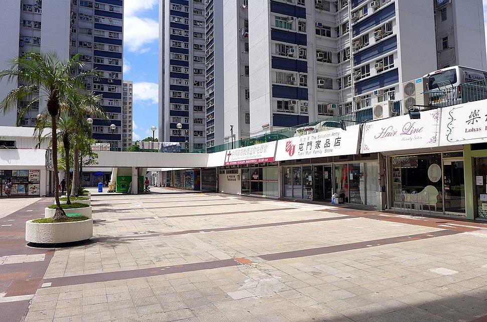 Chi Lok Garden Shops 20150617