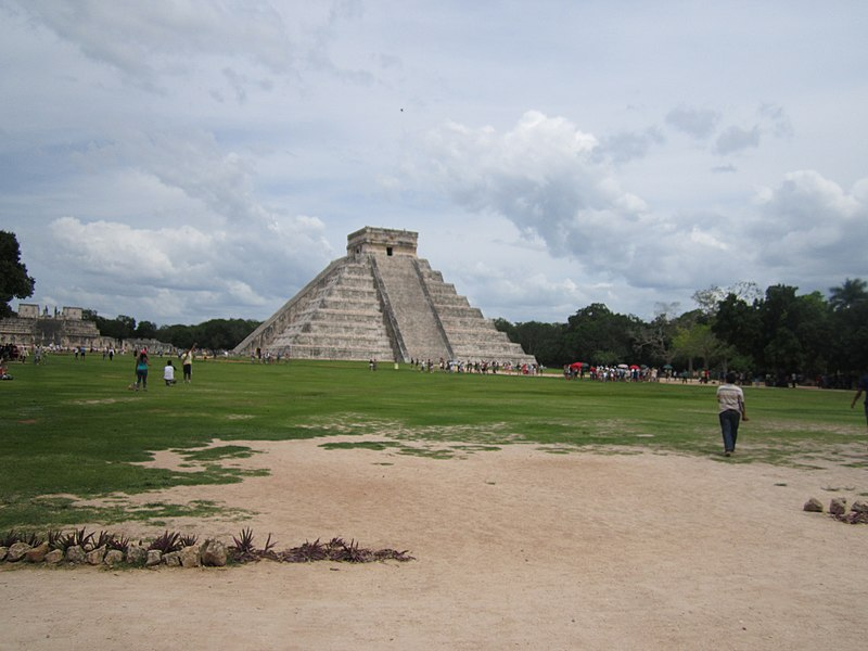 veronica panagoss recount of visiting chichen itza Chichen itza is a unesco world heritage site in mexico chichen itza was a powerful regional center for the mayans and one their largest cities spur arranged to go to this miracle while you are at metropolis you can visit el castillo, as known as by the spaniards it really is truly the pyramid of.