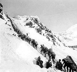 Aufstieg am Chilkoot Pass, 1898