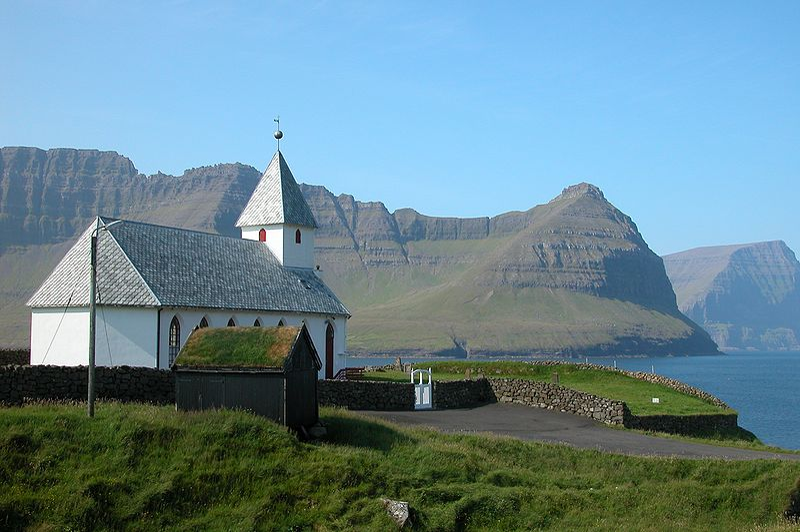 Fil:Church of Viðareiði, Faroe Islands.JPG