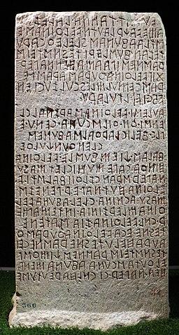 Cippo perugino, con iscrizione in lingua etrusca su un atto giuridico tra le famiglie dei velthina e degli afuna, 02