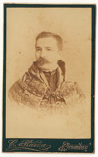 History of the book in Brazil - Clóvis Bevilaqua, owner of J. L. da Fonseca bookshop, of the School of Law in Recife between the years 1891 and 1895. Photograph by Alberto Henschel.