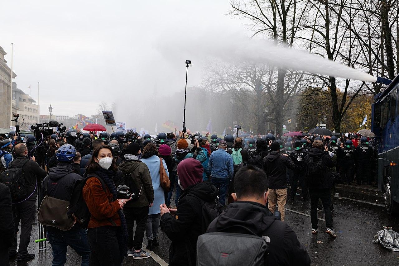 Conspiracist demonstration Berlin 2020-11-18 178.jpg
