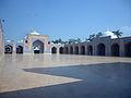 Countyard Shah Jahen Mosque Thatta 02.jpg