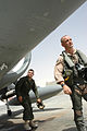 Cousins Re-unite on Iraq Flight Line DVIDS32198.jpg