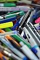 Crayons usagés récupérés comme déchets à valoriser 03.jpg