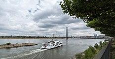 Düsseldorf, Rheinkniebrücke -- 2015 -- 8165.jpg