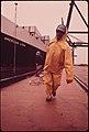 DOCKING THE AMERICAN LYNX AT THE DUNDALK MARINE TERMINAL - NARA - 546850 flipped.jpg