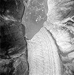 Dawes Glacier, tidewater glacier terminus with icebergs in the water, August 22, 1965 (GLACIERS 5383).jpg
