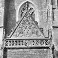 Detail ingang koor, zuid-oost zijde - Haarlem - 20098777 - RCE.jpg