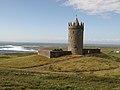 Doolin - Doonagore Castle - panoramio.jpg