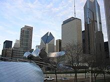 220px-Downtown_Chicago_Illinois_Nov05_im