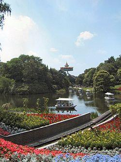 Efteling bootjes pagoda.JPG