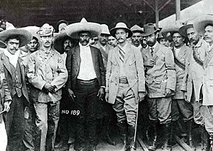 Treaty of Ciudad Juárez - Emiliano Zapata and his staff together with General Manuel Asúnsolo and revolutionary Abraham González in Cuernavaca in April 1911