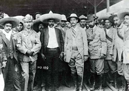 Emiliano Zapata enters Cuernavaca in April 1911. Federal General Manuel Asúnsolo turns the city over to the Zapatistas. Emiliano Zapata en la ciudad de Cuernavaca.jpg
