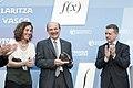 Entrega del Premio Euskadi de Investigación 2012 al matemático Luis Vega 06.jpg