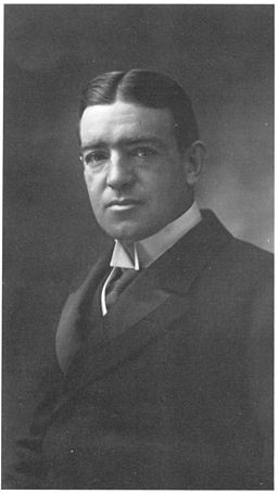 Ernest Henry Shackleton Nadar cleared