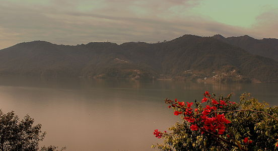 FEWA LAKE POKHARA NEPAL FEB 2013 (8568252171).jpg