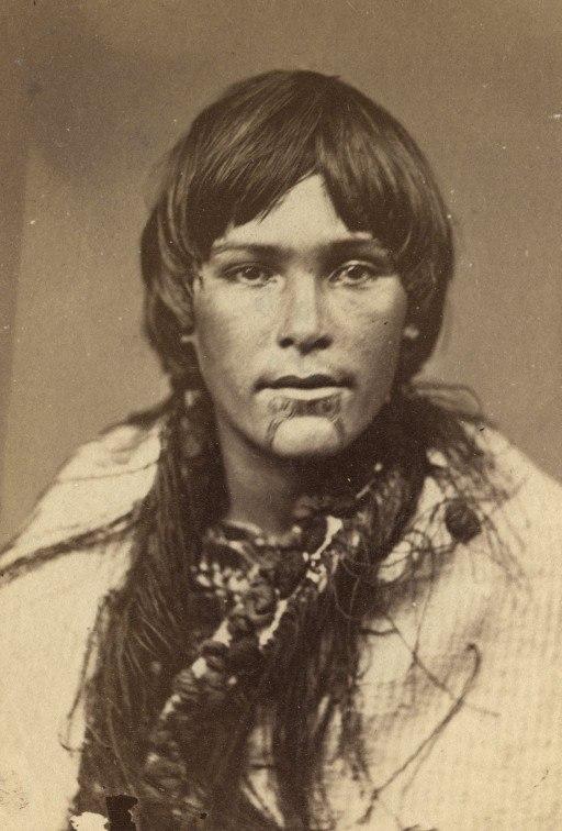 Femme Maori 1998-23050-173