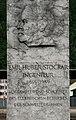 Flüelen Emil Huber Stockar Eisenbahnpionier Denkmal beim Bahnhof.jpg