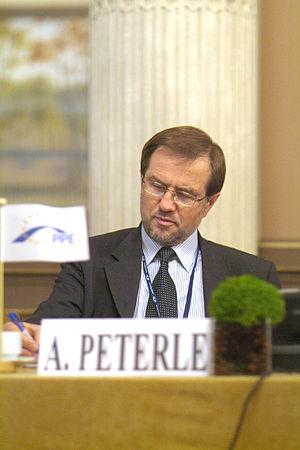 Lojze Peterle - Image: Flickr europeanpeoplesparty EPP debates on EU Constitution Paris 8 9 March 2005 (20)