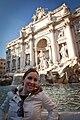 Fontana di Trevi, Roma, Italia, gennaio 2011.jpg