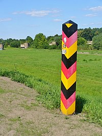 Forst - Grenzpfahl (Boundary Pole) - geo.hlipp.de - 39071.jpg