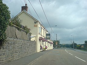 Fox and Hounds - geograph.org.uk - 901519.jpg