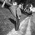 """Franc (oče) iz Prapetnega z manjšim košem """"oprtnikom"""" 1954.jpg"""